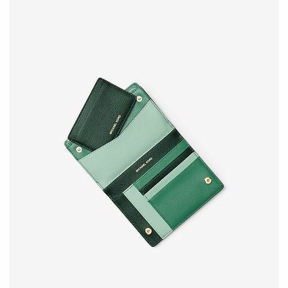 Women s hunter green MK wallet 8b46d2c53b